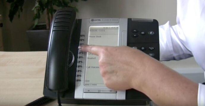 Call forwarding - Mitel 5330 IP telephone